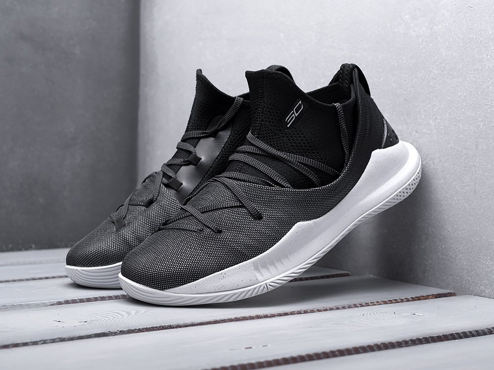 Кроссовки Under Armour Curry 5 / 12014