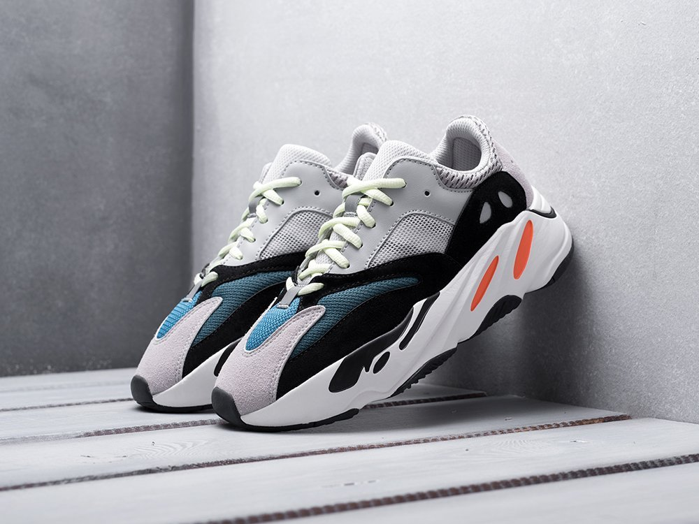 Кроссовки Adidas Yeezy Boost 700 (13082)