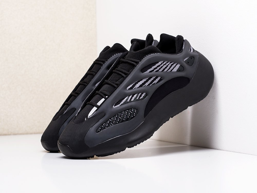 Кроссовки Adidas Yeezy Boost 700 v3 (18664)