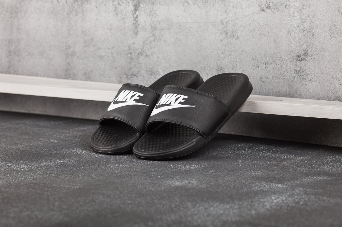 Сланцы Nike Benassi JDI / 7700
